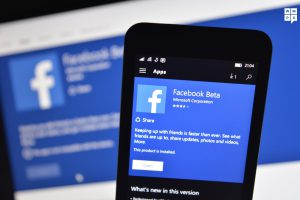 Windows 10 mobile gets official Facebook app